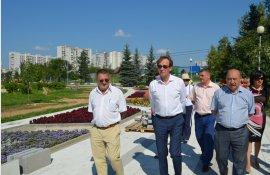 Префект округа проинспектировал ход благоустроительных работ в Зеленограде