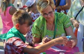На площади Юности прошел фестиваль «Москва длиною в долголетие»