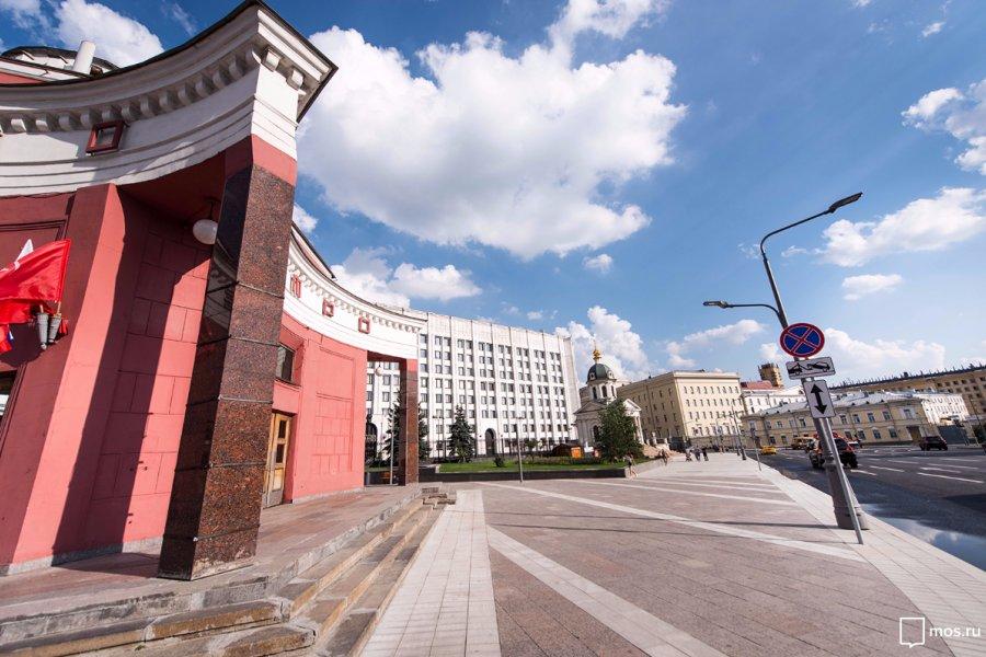 В Москве завершено благоустройство Арбатской площади