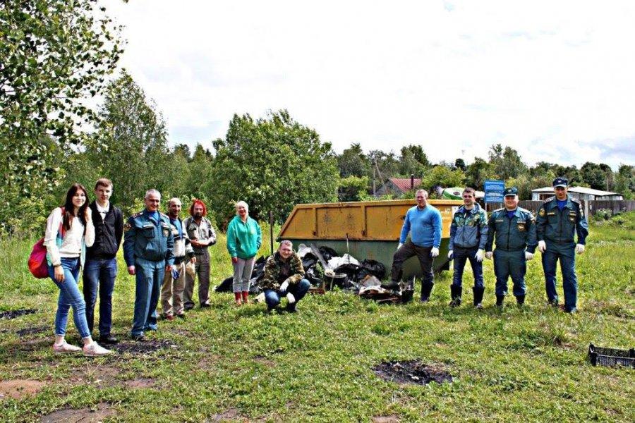 В Зеленограде прошла экологическая акция при участии сотрудников МЧС и членов общественных организаций