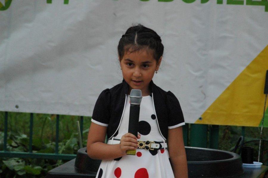 В преддверии 1 сентября детям из многодетных семей подарили праздник «Снова в школу»