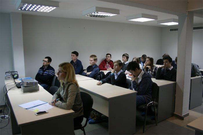 В АО «НИИМЭ» прошла защита проектов лицеистов – участников профориентационных курсов