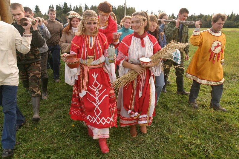 Зеленоградцев приглашают на осеннее чаепитие с русским самоваром и пирогом «Богач»