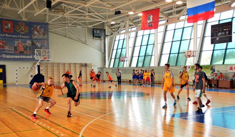 Команда из Силино победила в финальных окружных соревнованиях по стритболу