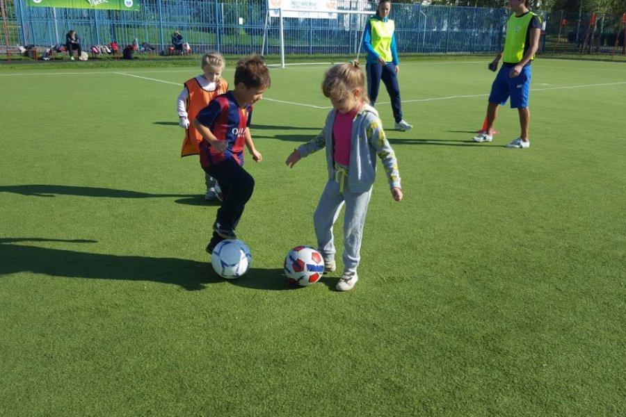 Зеленоградские дошкольники поучаствовали в футбольном фестивале