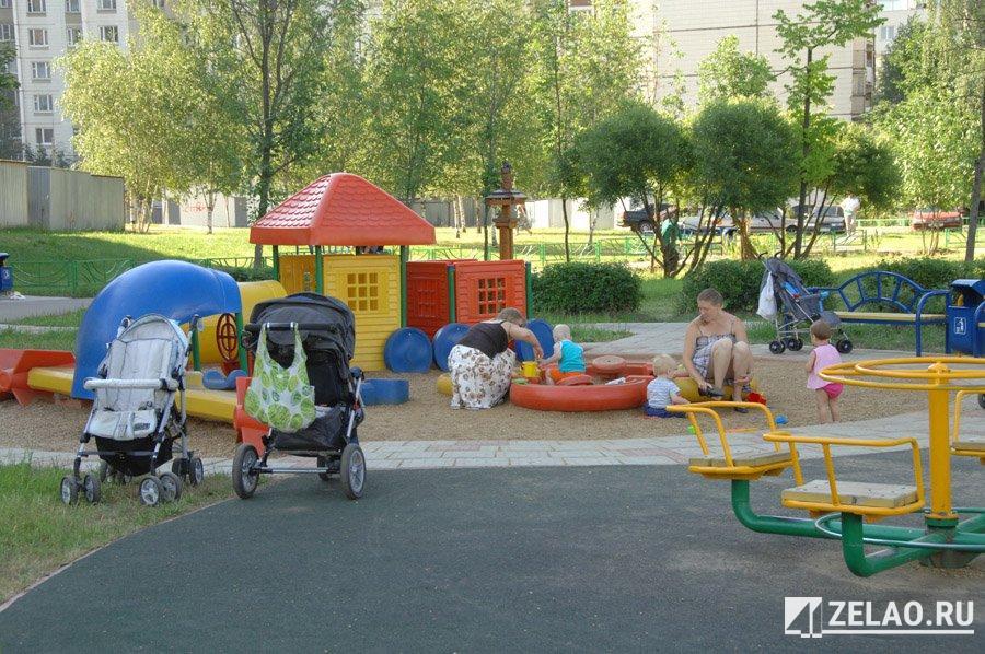 Игровое оборудование будет заменено на детских площадках в Силино