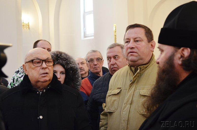 Владимир Ресин проверил возведение в Зеленограде новых храмов
